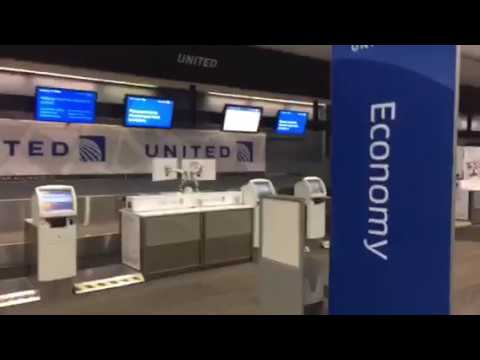 At United Airlines SFO Airport Terminal – Vlog